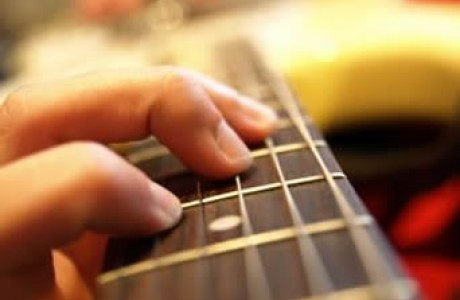 learn to play guitar featured